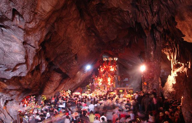 Image result for cảnh đẹp chùa hương