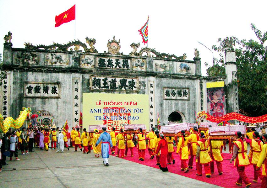 Tour Du Lịch Yên Tử - Cửa Ông – Côn Sơn – Kiếp Bạc 2 Ngày