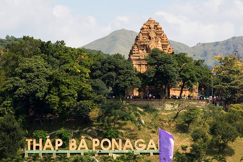 Du Lich Tháp Bà Ponagar Nha Trang