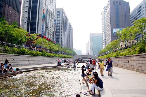 Du Lich Suối Cheng Gye River Seoul Hàn Quốc