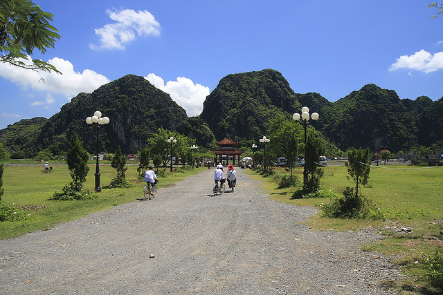 Cổng vào cố đô Hoa Lư Ninh Bình