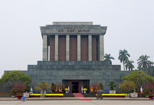 Du lịch Lăng Chủ Tịch Hồ Chí Minh