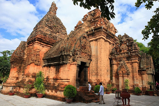 Du lịch Tháp Bà Ponagar, Nha Trang