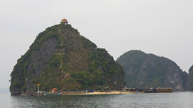 Du lịch Hạ Long, Đảo Ti Tốp