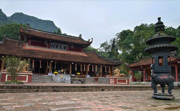 Kết quả hình ảnh cho Chùa Hương Hà nội